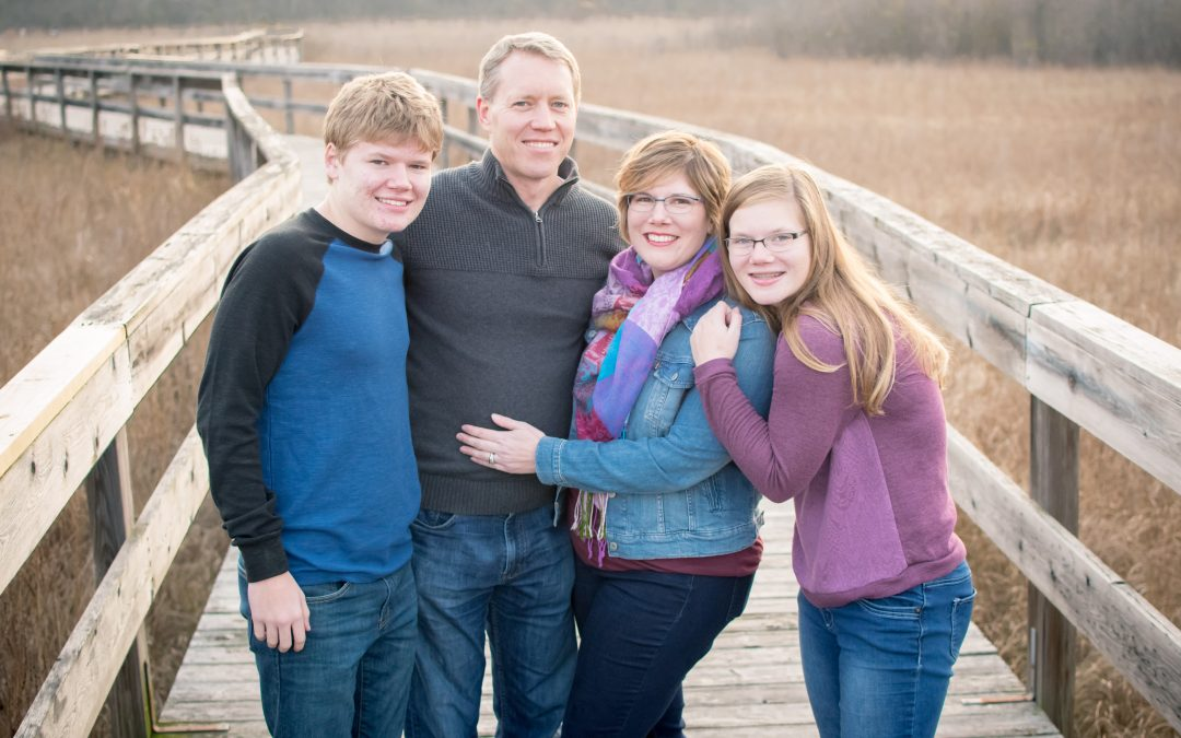 What to Wear for Family Portraits – 3 General Dos | Ann Arbor Family Photographer | Captured by Kelsey Photography